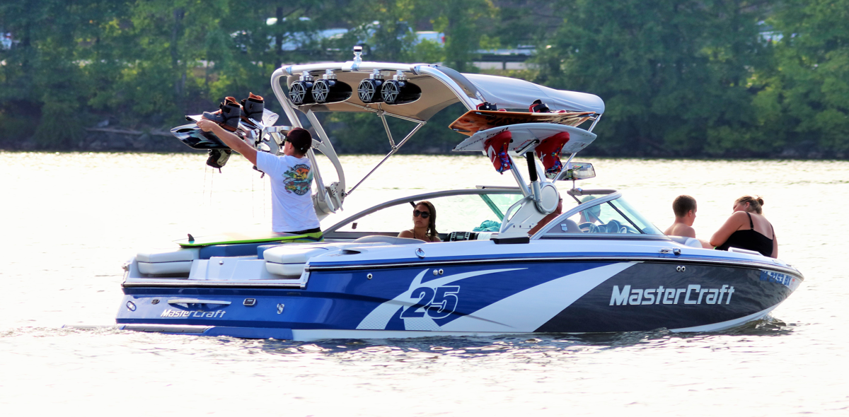 BoaterInput Ski and Wake Boat Articles Homepage Hero